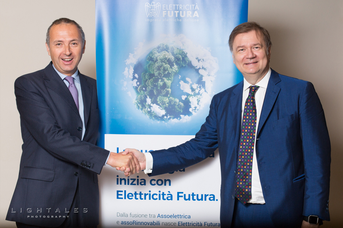 energia-rinnovabile-presidente-stretta-mano-meeting