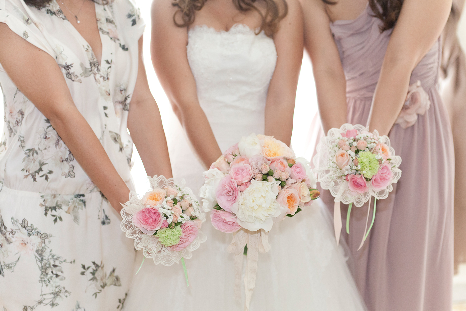 wedding-tre-damigelle-tre-bouquet
